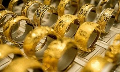 Giá vàng hôm nay 10/7, USD hừng hực, vàng treo cao