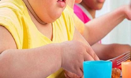 Bé trai 9 tuổi nặng gần 100kg, mắc căn bệnh không chữa khỏi vì mẹ nuông chiều trong ăn uống