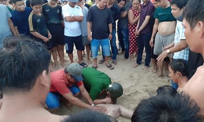 Bình Thuận: Bàng hoàng phát hiện người đàn ông đuối nước tử vong khi tắm biển