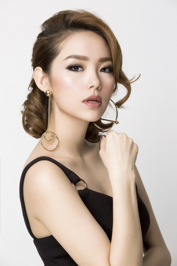 """Giữa """"cơn bão"""" đám cưới của showbiz Việt, fan vẫn mòn mỏi chờ đợi tin vui từ những mỹ nhân này - Ảnh 1."""