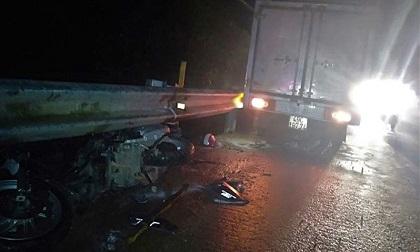 Xe máy bị ô tô tải tông trên QL20, 1 người chết, 1 người nguy kịch