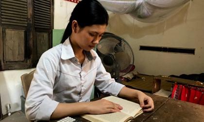 """Nữ sinh trường làng """"đánh bại"""" thí sinh trường chuyên giành thủ khoa tỉnh Nghệ An"""