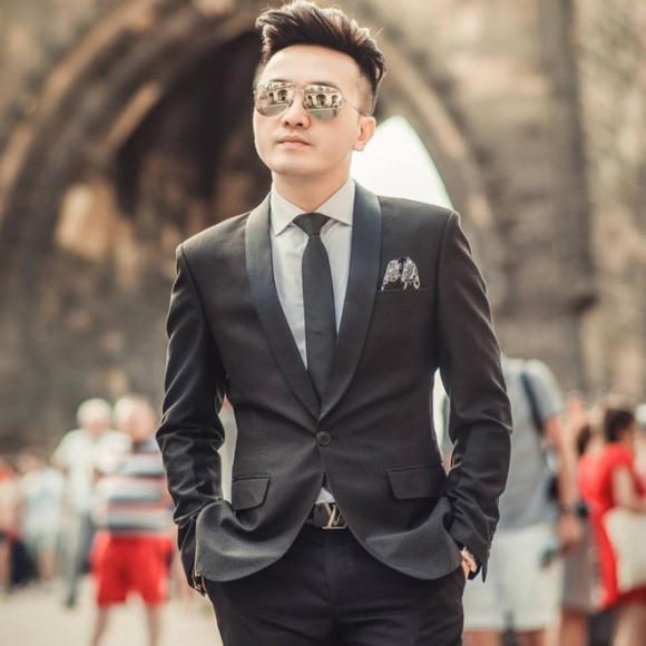 Dương Ngọc Thái: Có con với fan hâm mộ, phải dắt vợ lên chùa lập lời thề không tà dâm - Ảnh 1.