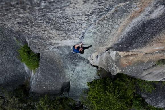 Cuộc thử thách của những người không sợ tử thần ở một ngọn núi tại Mỹ - 1