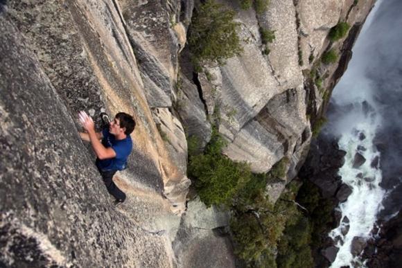 Cuộc thử thách của những người không sợ tử thần ở một ngọn núi tại Mỹ - 2