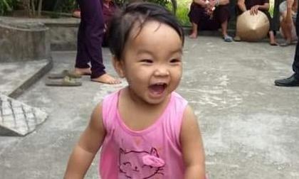 Diễn biến mới ai cũng quan tâm về bé gái xinh xắn bị mẹ bỏ ở chùa để 'đi lấy chồng'