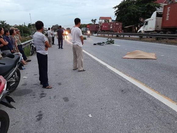 Ảnh: Hiện trường đầy ám ảnh vụ tai nạn khiến ít nhất 6 người tử vong tại Hải Dương - 15