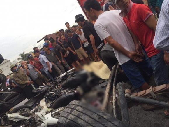 Ảnh: Hiện trường đầy ám ảnh vụ tai nạn khiến ít nhất 6 người tử vong tại Hải Dương - 4
