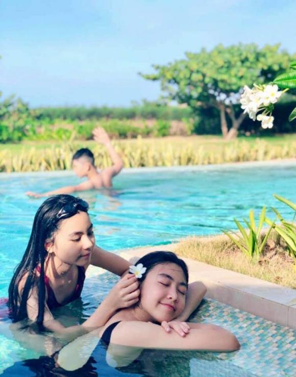 'Công chúa' 14 tuổi nhà Quyền Linh thả dáng với bikini, ai cũng tấm tắc khen dáng vóc như Hoa hậu tương lai - 1
