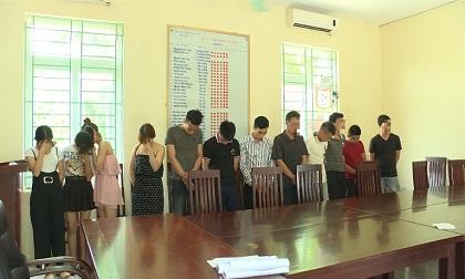 Nhóm thiếu nữ 'thác loạn' cùng 8 trai làng trong quán karaoke Thiên Thai
