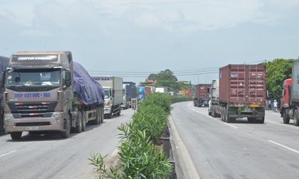 Từ tai nạn thảm khốc 5 người chết: Vì sao xe container, xe tải chạy QL5, 'ngó lơ' cao tốc HN-HP?