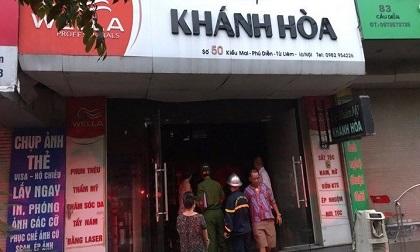Hà Nội: Cảnh sát giải cứu người phụ nữ mang thai kẹt trong đám cháy