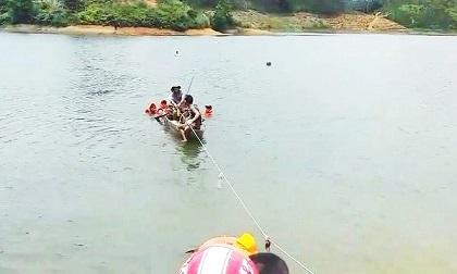 Lật xuồng trên hồ đập Đạ Bo, 3 thanh niên chết đuối