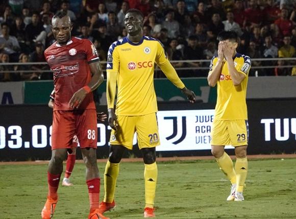Từ 'chung kết sớm', V-League hồi sinh vì 'bóng đá trân trọng'