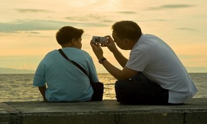 Câu chuyện cuộc sống: Lá thư cuối đáng suy ngẫm của người cha trước lúc lâm chung