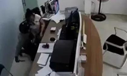 Truy bắt kẻ kề dao uy hiếp nữ nhân viên cửa hàng Viettel để cướp