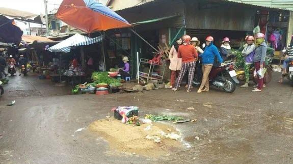 Tạm giữ tài xế xe khách lao vào chợ ven đường làm 4 người tử vong ở Gia Lai - 3