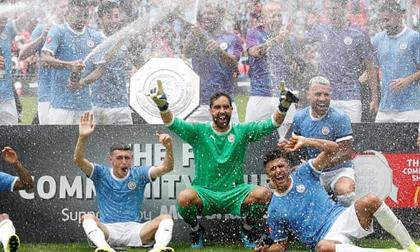 Đánh bại Liverpool trên chấm 11m, Man City lần thứ 2 liên tiếp giành Siêu cúp Anh