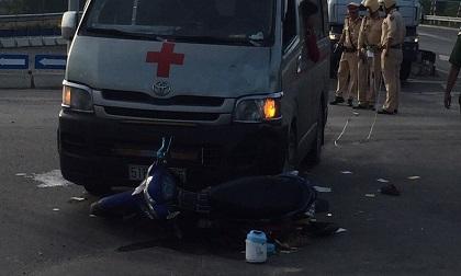 Đà Nẵng: Xe chở quan tài gây tai nạn, hai người bị thương