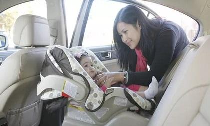 Bỏ quên con gái 11 tháng tuổi chết tức tưởi trong xe hơi, lời giải thích của người mẹ khiến ai cũng giận sôi người