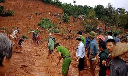 Đắk Nông: Quả đồi bị sạt lở lúc rạng sáng, nghi cả gia đình 3 người bị vùi lấp