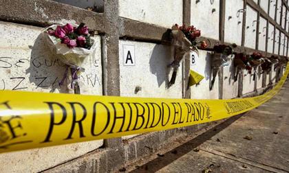 Băng đảng ma túy Mexico phân xác, treo 9 thi thể lên cầu