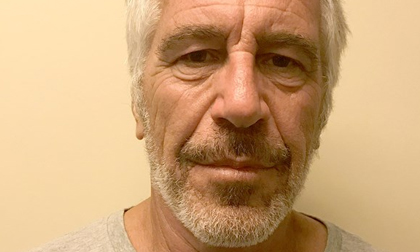 Tỉ phú ấu dâm Jeffrey Epstein tự sát trong tù