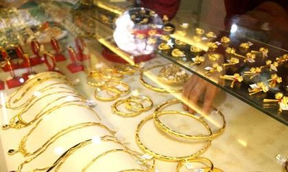 Giá vàng hôm nay 21/8, dồn dập tranh mua, vàng lại lên đỉnh