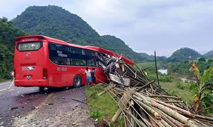 Xe khách gặp tai nạn kinh hoàng, 16 người thương vong