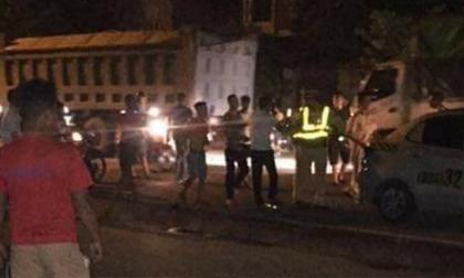 Bị kiểm tra, 3 đối tượng tấn công cảnh sát giao thông ở Hà Nội