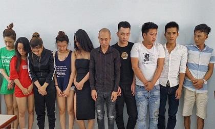 Hàng chục nam, nữ thanh niên đang phê ma túy trong khách sạn