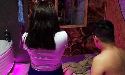 Đột kích massage 'vua' ở Sài Gòn có vé 5 nữ tiếp viên phục vụ