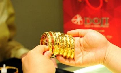 Giá vàng hôm nay 24/8, giảm mạnh nhất trong 6 tháng qua