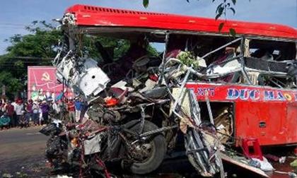 Xe khách gây tai nạn 12 người chết: 'Lột xác' thành xe mới?