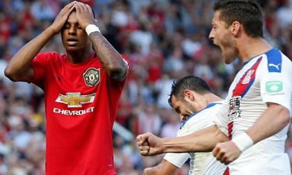 Rashford đá hỏng penalty, MU thua sốc Crystal Palace ngay tại Old Trafford