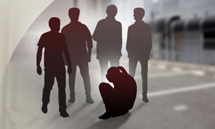 11 thiếu niên xâm hại tập thể bé gái tiểu học suốt 2 tháng nhưng đó chỉ mới là bề nổi cuộc sống 'địa ngục' của nạn nhân