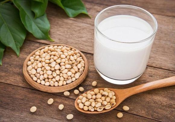 Uống sữa đậu nành theo cách này dễ thành ... thuốc độc - 1
