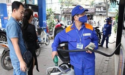 Giá xăng dầu giảm lần thứ 3 liên tiếp trong kỳ nghỉ lễ