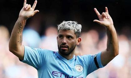 Aguero lập cú đúp, Man City vươn lên ngôi đầu Ngoại hạng Anh