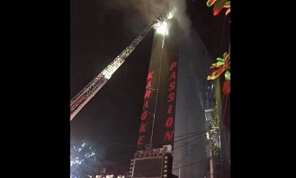 Quán karaoke bốc cháy dữ dội, một người tử vong