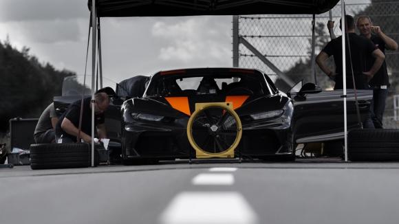 Siêu xe Bugatti lần đầu đạt tốc độ 490 km/h, phá vỡ mọi kỷ lục - 2