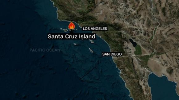 Cháy tàu du lịch California, 8 người chết và hàng chục người mất tích - 1