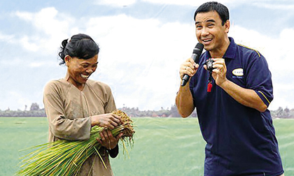 """MC Quyền Linh: 'Người nghèo toàn gọi tôi là """"mày - tao"""" rất chân tình'"""