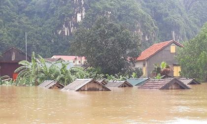 Áp thấp nhiệt đới kỳ dị gây mưa lũ làm 7 người chết, mất tích