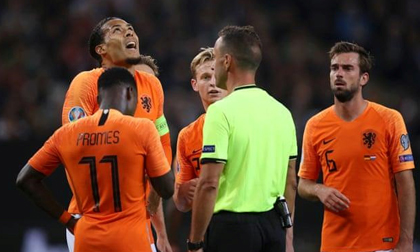 De Ligt mắc lỗi ngớ ngẩn, Hà Lan vẫn thắng Đức 4-2