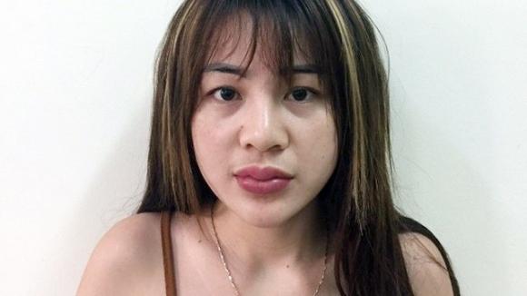 Điều hành đường dây bán dâm qua Zalo, một thiếu nữ bị bắt - Ảnh 1.