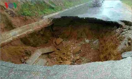 Sạt lở, sụt lún gây ùn tắc nhiều tuyến giao thông ở Lai Châu