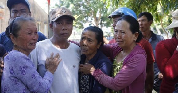 Ly kỳ chuyện cá heo 'chỉ đường' cứu 41 ngư dân Quảng Nam thoát chết