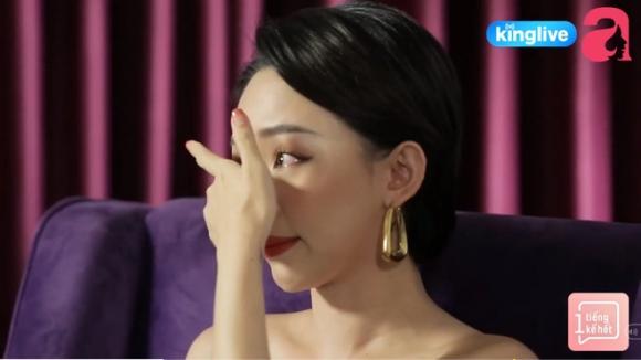 Tóc Tiên gây sốc khi nói đến mối quan hệ với mẹ ruột, hé lộ cuộc sống bên Mỹ khó khăn, trộm tiền của bà để gửi xe