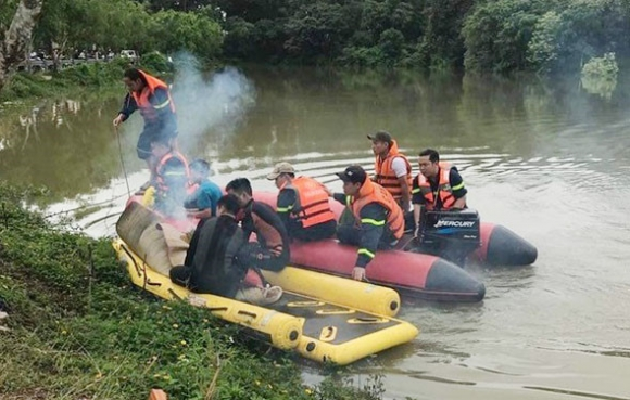 Hai học sinh lớp 11 tử vong dưới hồ nước nghi tự tử vì tình